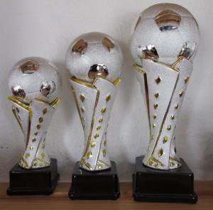 Pokale 3er Serie Fußball Trophäe 22-32 cm Fußballpokal Weltpokal